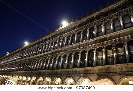 Venice, Ve - Italy. 10Th July, 2015: Ancient Palace Called  Procuratie Vecchie Are The Famous  Build