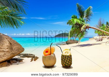 Drinks on the tropical beach of Thailand