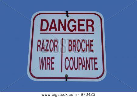 Bilingual Danger Razor Wire Sign