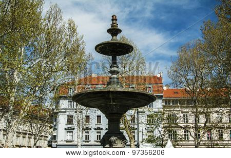 Fountain and pavilion in center of Zagreb