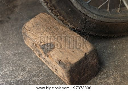 Break Wheel From Wooden