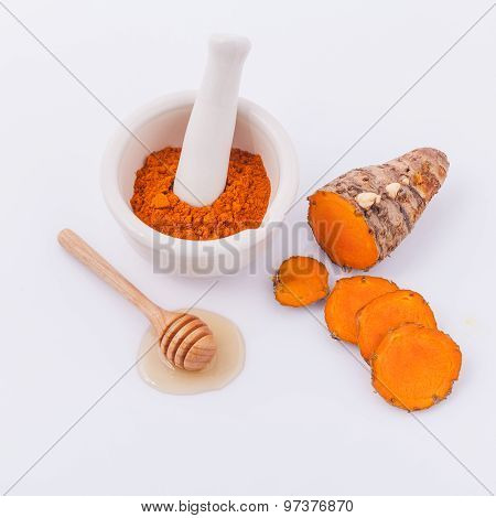 Natural Spa Ingredients Turmeric And Honey  For Skin Care.
