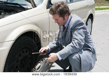Flat Tire - Remove Hubcap