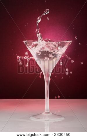 Cocktail Glass With Drops And Ring