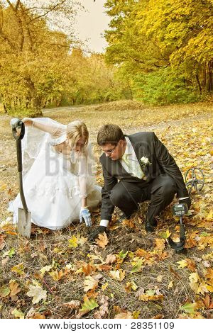 newlyweds searching for treasure