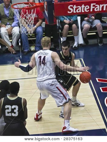 A Baseline Defense By Arizona Wildcat Kyryl Natyazhko