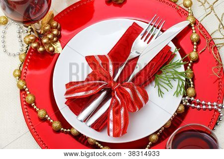 Holiday Plates With Silverware