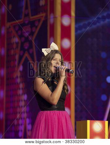 Loya Sing In Bigest Moll In Europe Vegas