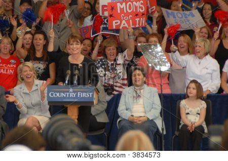 Sarah Palin At  The  Pavilion  Rally In Henderson Nevada