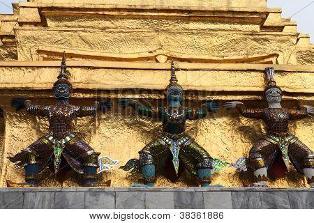 Bangkok temple demons
