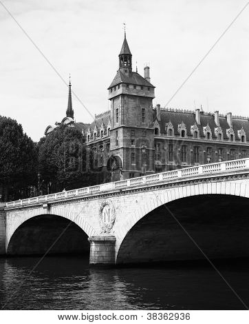 Architectural Bridge Ile De France