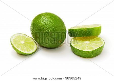 Sliced ??and Whole Lime