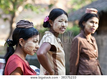 Burmese girls
