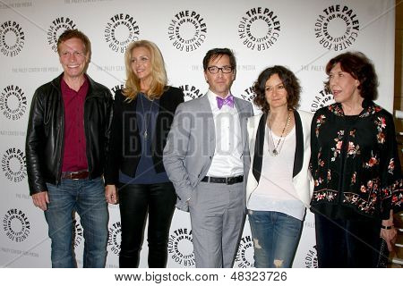 LOS ANGELES - JUL 16:  Don Roos, Lisa Kudrow, Dan Bucatinsky, Sara Gilbert, Lily Tomlin arrives at