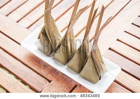 Harina al vapor con relleno de postre de coco