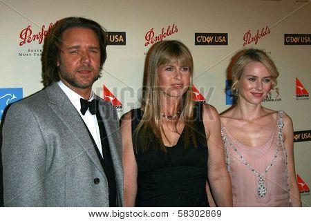 Russell Crowe with Terri Irwin and Naomi Watts at the G'Day USA Penfolds Black Tie Icon Gala. Hyatt Regency Century Plaza, Los Angeles, CA. 01-13-07
