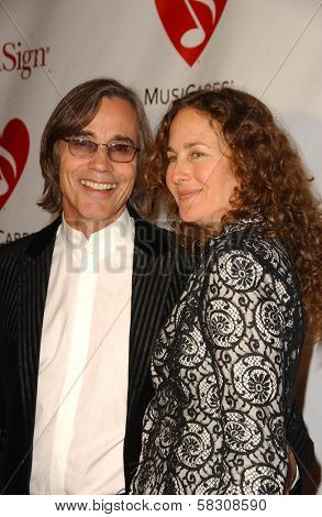 Jackson Browne and guest at the 2007 MusiCares Person of the Year Honoring Don Henley. Los Angeles Convention Center, Los Angeles, CA. 02-09-07