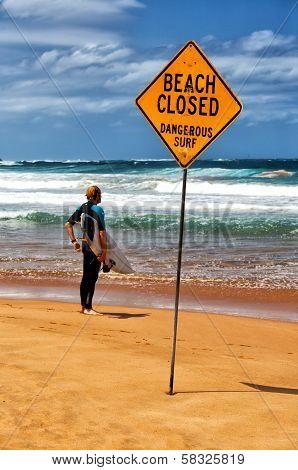 Decision time for a Sydney surfer