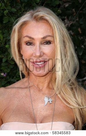 Linda Thompson at the Rape Treatment Center Fundraiser hosted by Viola Davis and honoring Norman Lear, Greenacres, Neberly Hills, CA 10-14-12
