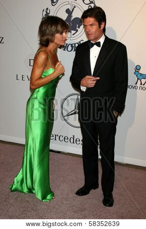 Lisa Rinna and Harry Hamlin at the 17th Carousel of Hope Ball to benefit The Barbara Davis Center for Childhood Diabetes. Beverly Hilton Hotel, Beverly Hills, CA. 10-28-06