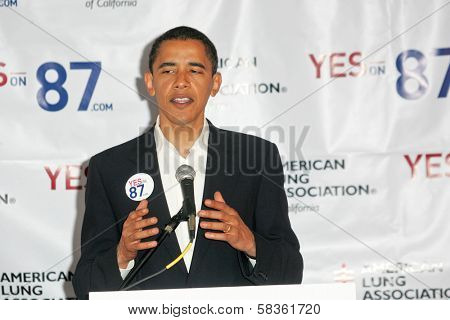 Barack Obama at a press conference supporting Prop 87, USC, Los Angeles, CA 10-27-06