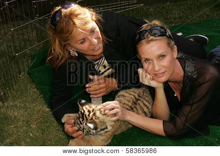 Nicolette Sheridan and Martine Colette at 2006 Safari Brunch Fundraiser For The Wildlife Waystation. Playboy Mansion, Los Angeles, CA. 10-14-06