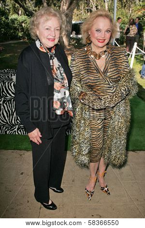Betty White and Carol Connors at 2006 Safari Brunch Fundraiser For The Wildlife Waystation. Playboy Mansion, Los Angeles, CA. 10-14-06
