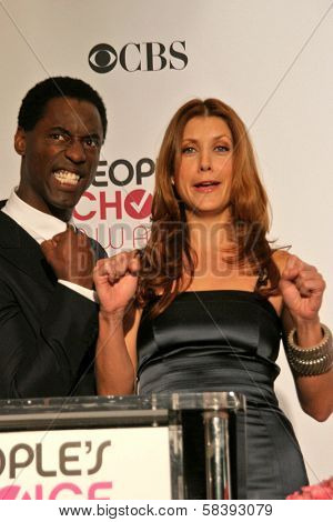 LOS ANGELES - NOVEMBER 07: Isaiah Washington and Kate Walsh during the 33rd Annual People's Choice Awards Nominations at Peninsula Hotel in November 07, 2006 in Beverly Hills, CA.