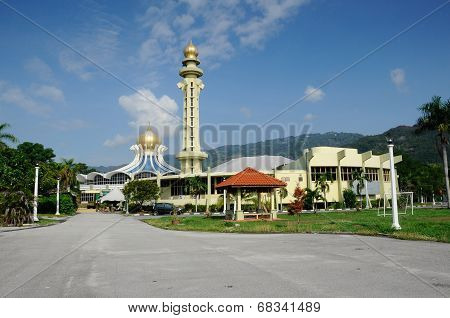 Penang State Mosque in Penang