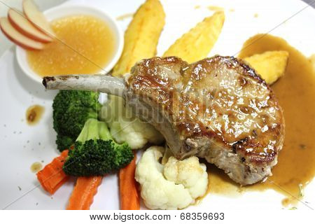 Lamb Steak With Spicy Pepper Sauce