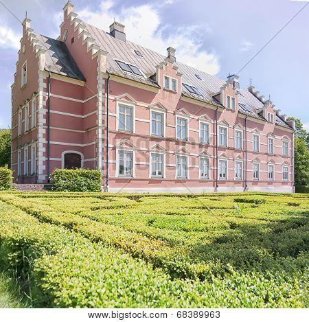 Palsjo Slott In Helsingborg With Hedge Maze