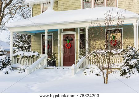 Old style north american home decorated for Christmas.