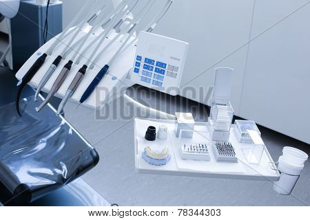 Dentist's Specialist Tools