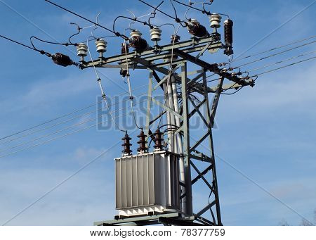 equipment for distribution of electric energy