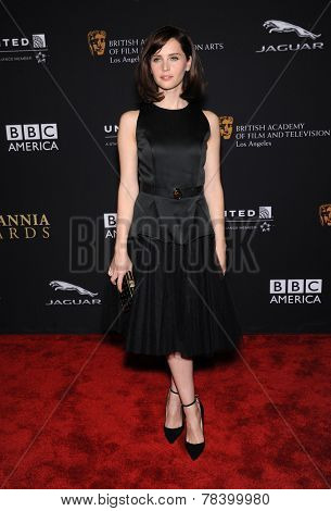 LOS ANGELES - OCT 30:  Felicity Jones arrives to the BAFTA Jaguar Brittannia Awards 2014 on October 30, 2014 in Beverly Hills, CA