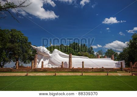 White Reclining Buddha Image