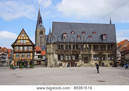 Quedlinburg Market Square With City Hall