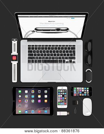 Apple Gadgets Technology Mockup Consisting Macbook, Ipad, Iphone And Smartwatch Concept