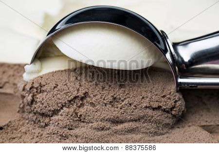 Vanilla Nad Chocolate Ice Cream