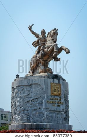King Quang Trung Monument