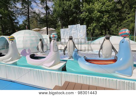 Attraction with penguins