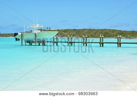 cht at the wooden jetty. Great Exuma, Bahamas