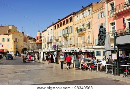 SAINT-TROPEZ, FRANCE - MAY 13: A view of the Quai Suffren on May 13, 2015 in Saint-Tropez, France. Saint-Tropez is a famous destination for European and Worldwide tourists in the French-Riviera