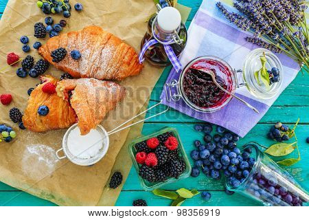 Frutti di bosco - Homemade croissants with forest fruits