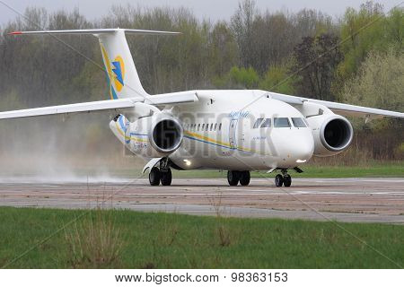 Antonov An-148 regional jet aircraft