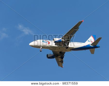 Airbas A319 Ural Airlines