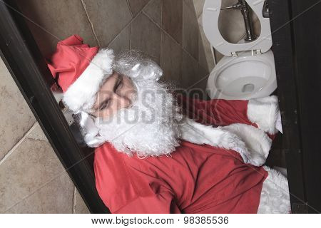 santa claud sic in the bar toilet