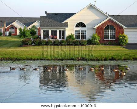Pondside Eigentumswohnungen