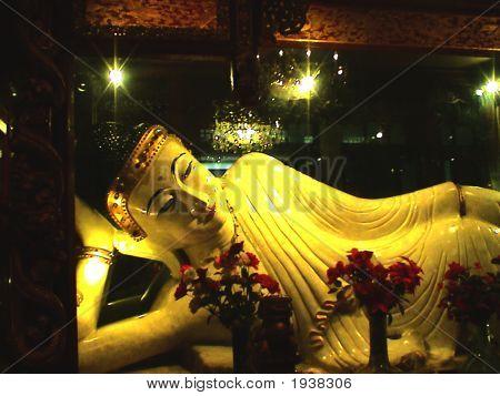 Reclining Bhudda