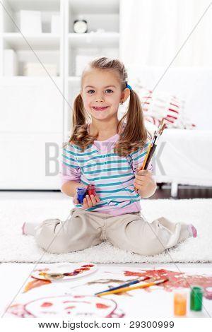 Mädchen Vorschule Künstler Malerei zu Hause sitzen auf dem Boden